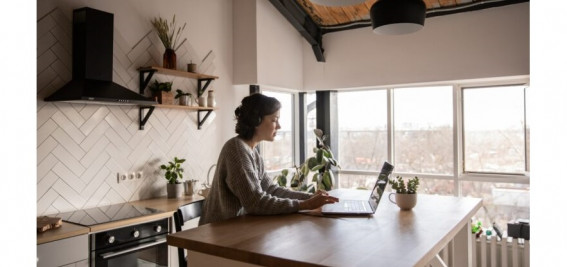 Wellbeing in a dissolved workplace: Towards a new work-life balance?